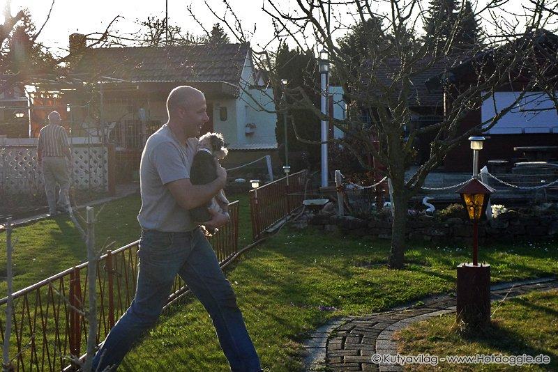 Mörri kutya a kertben