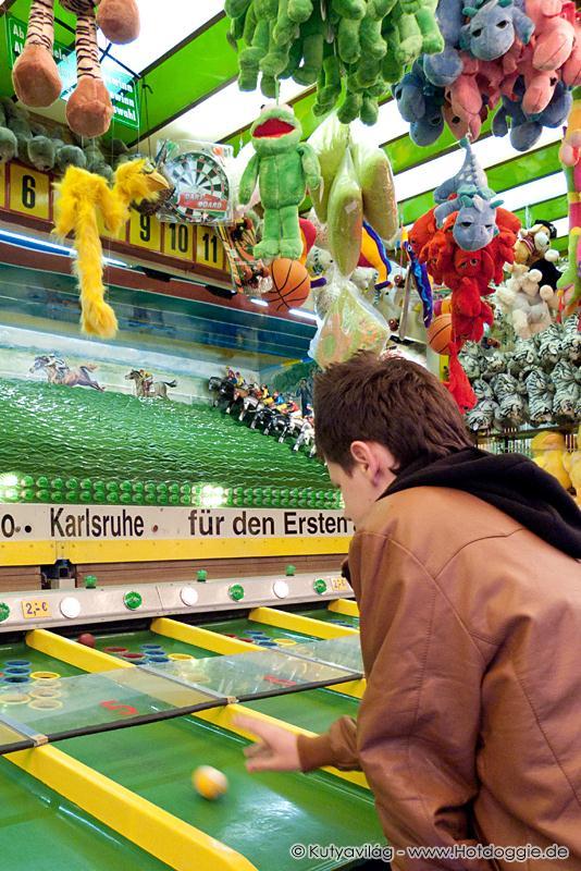 Tavaszi fesztivál: Vándor vidámpark Karlsruhében